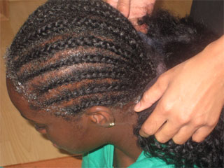 How to put on a lace wig 4